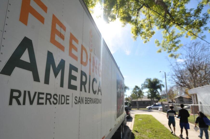 内陆食品银行从Enterprise租车分公司获得2,500美元的捐款